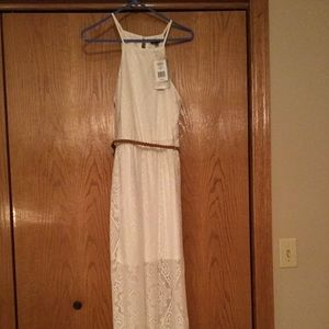 Dresses & Skirts - NEW White laced high low dress size Large